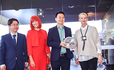 TCL Wins Prestigious Display Technology Gold Award at IFA 2018
